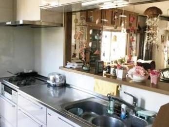 対応・仕上がり共に満足!収納たっぷりのキッチンになりました。