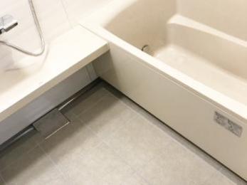 ホーローのお風呂がとても気に入りました。お掃除が楽になり、大満足!